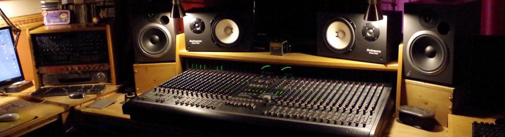 dVoiceBox Studio - Soundcraft Ghost console and monitors