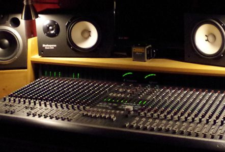 dVoiceBox Studio - Soundcraft Ghost console and monitors